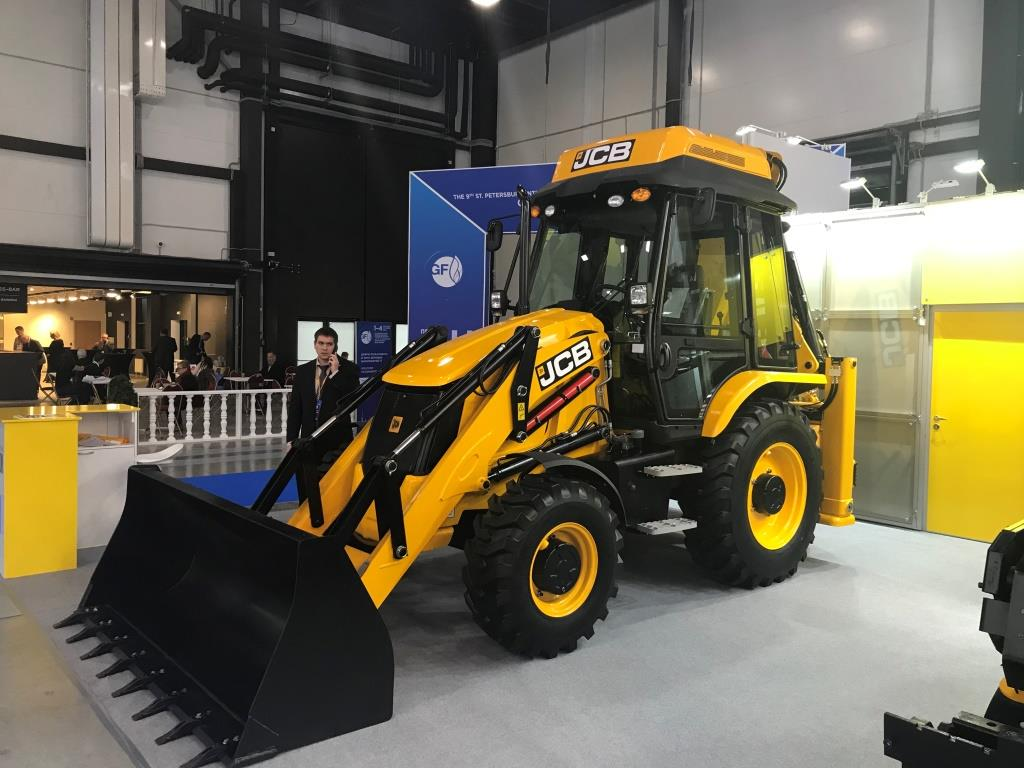 JCB UNVEILS COMPRESSED NATURAL GAS BACKHOE LOADER CONCEPT